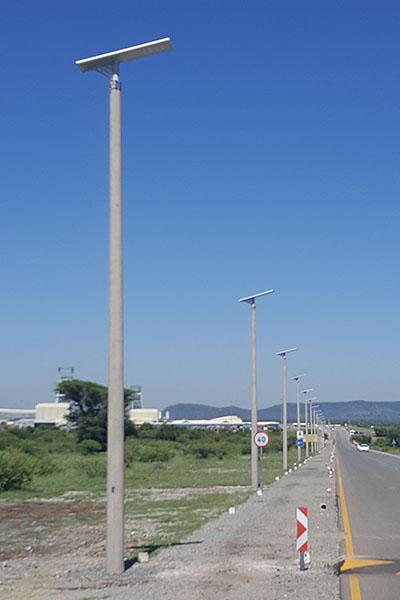 install 100w solar streetlights